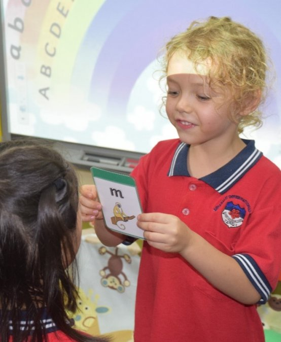 The Advantages of Teaching Reading Through Phonics